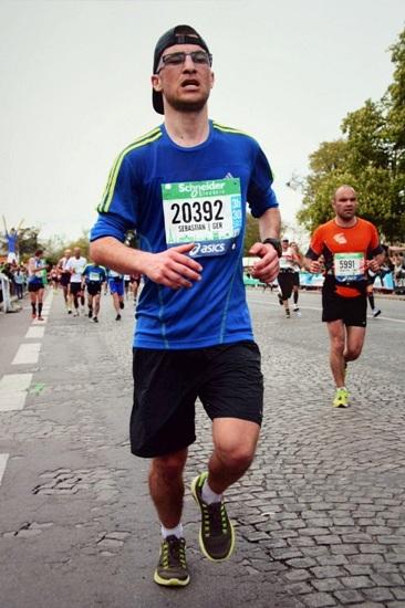 Der Gesichtsausdruck von Sebastian Hoss beim Paris-Marathon 2014 lässt erahnen, wie groß die Strapazen waren. Foto: Privat/pp/Agentur ProfiPress